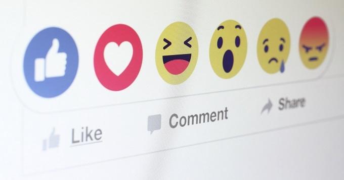 reacções no facebook